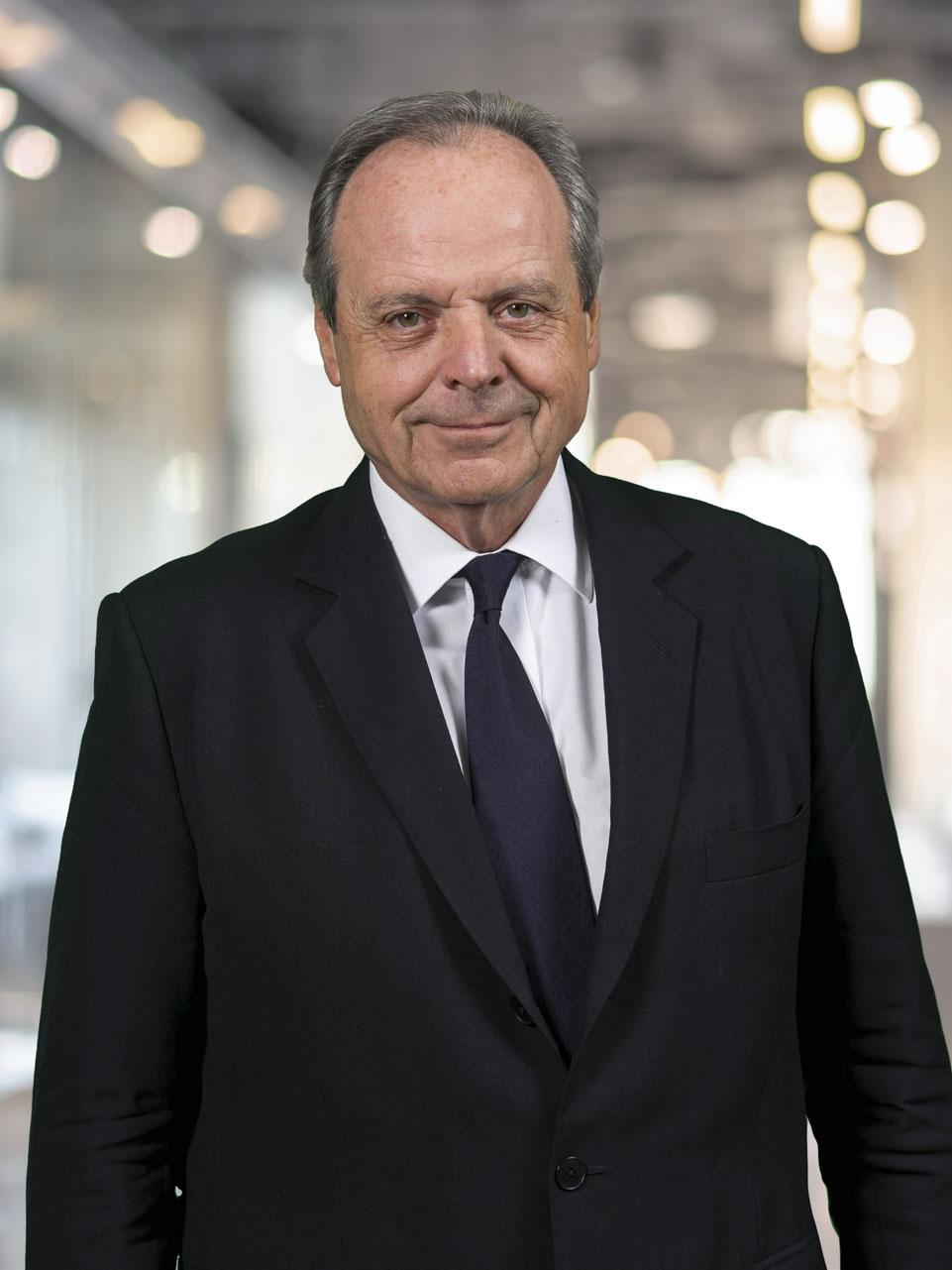 Salzburger Notariatskammer: Notar und Mediator Dr. Peter Cichocki