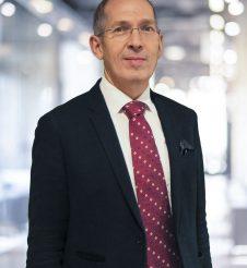 Dr. Alexander Hüttinger