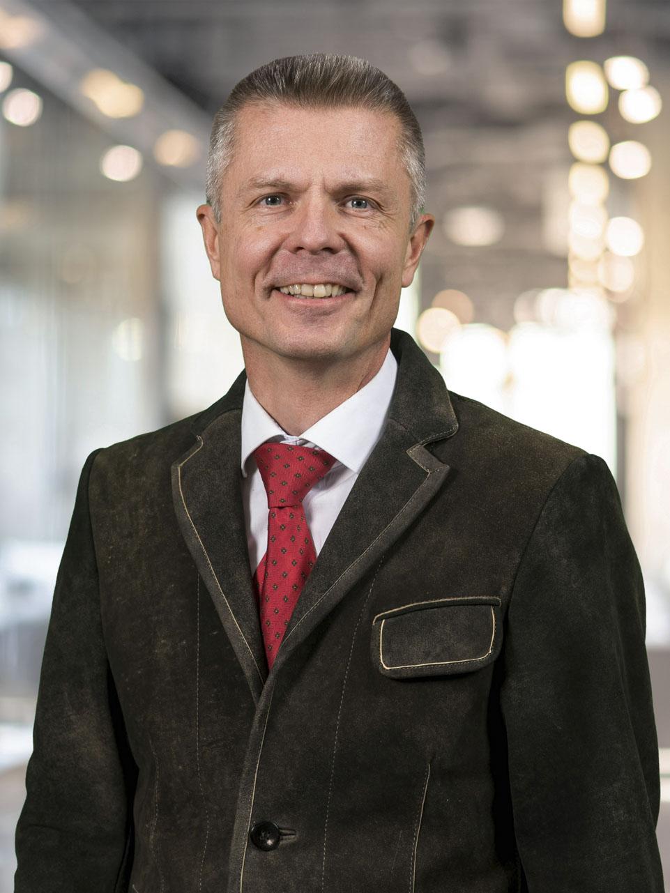 Salzburger Notariatskammer: Notar und Mediator Dr. Helge Oberhuber