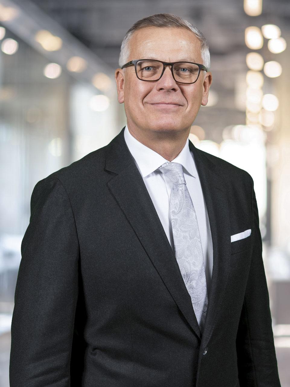 Salzburger Notariatskammer: Notar und Mediator Dr. Manfred Winklhofer