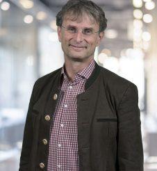 Dr. Thomas Radlgruber